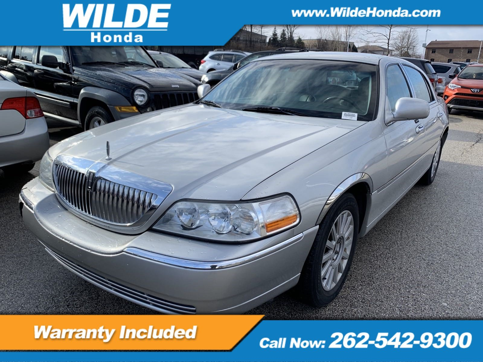 Pre Owned 2003 Lincoln Town Car Executive 4dr Car In M19508a